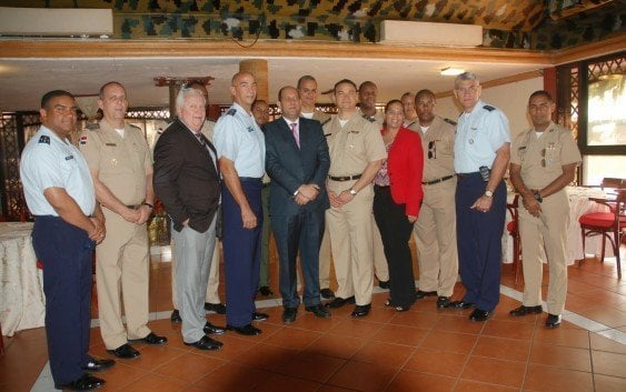 Ministerio Defensa concluye diplomado agregados militares