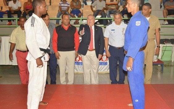 Armada campeona kata Cívico Militar y Policial de Judo