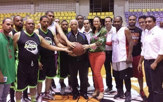 SFM y Puerto Plata ganan en basket
