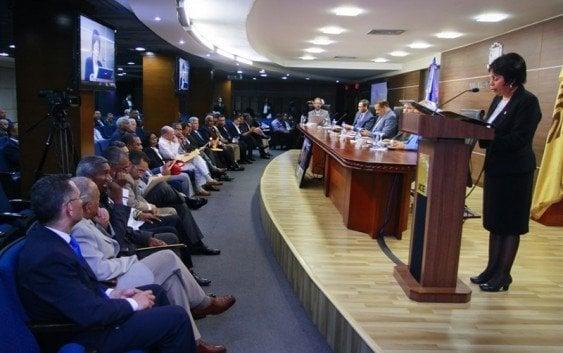 JCE presenta ampliación cedulación y empadronamiento para diaspora