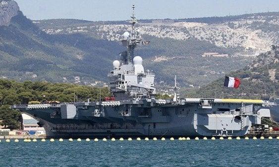 Francia despliega portaaviones contra Estado Islámico en Irak
