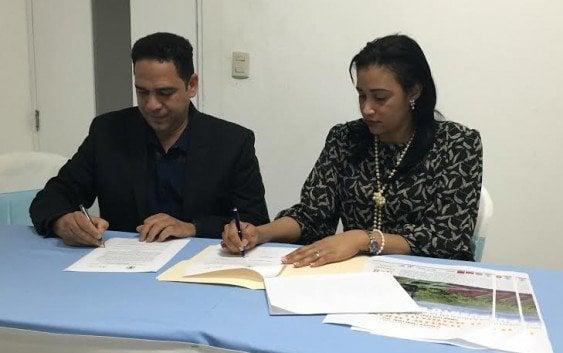 UNIBE y Clúster Turístico de Puerto Plata firman convenio