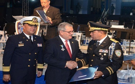 Condecoran Superintendente de Puerto Rico