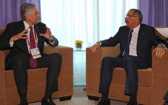 Danilo Medina se reúne con presidente AES Corporation
