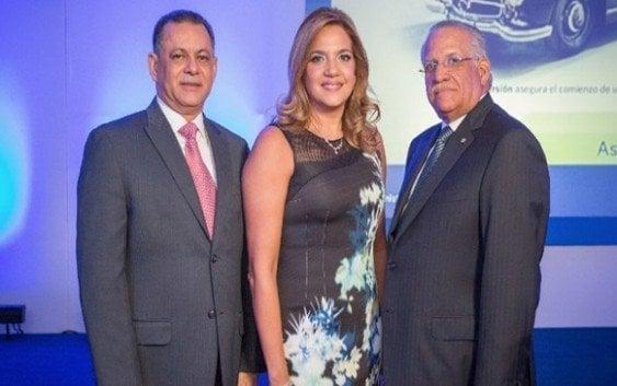 Grupo Universal presenta inversora