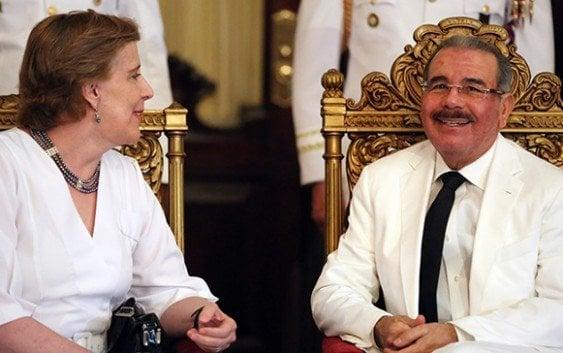 Presidente Medina recibe cartas credenciales nuevos embajadores