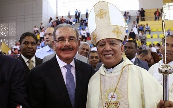 Asiste acto solemne ordenación nuevo obispo