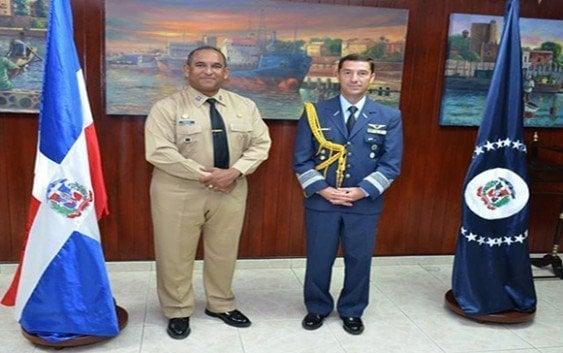 Comandante de la Armada recibe visita agregado Argentina