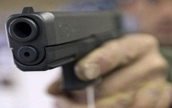 Delincuentes armados; Que le sirva de ejemplo a usted