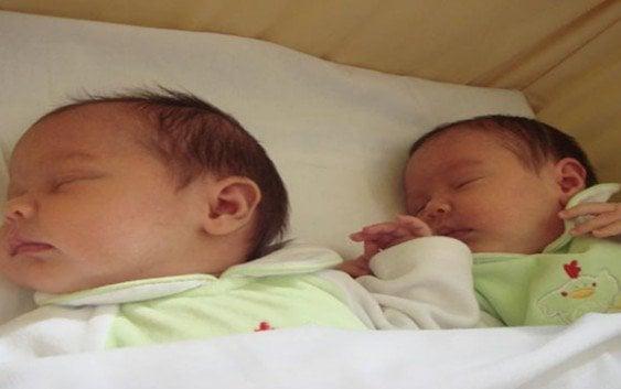 Mellizas nacidas en New Jersey; De distintos padres…!!!