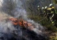 Envía más de 500 hombres y bomberos forestales zona incendiada