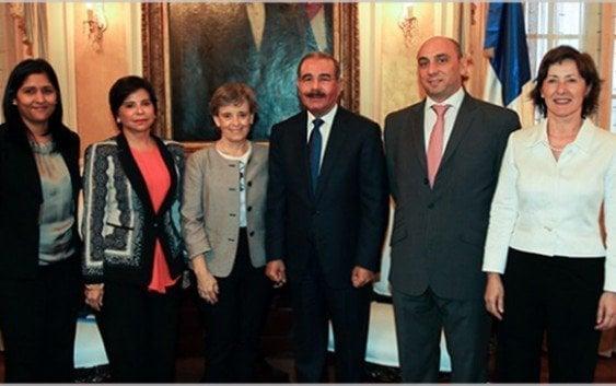 Representantes ONU visitan presidente