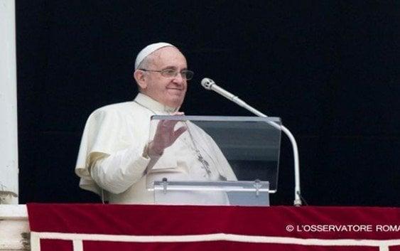 Papa; Pagarles menos a las mujeres es «un escándalo»