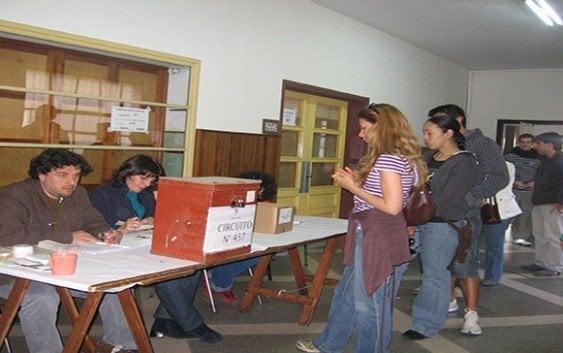 Esperan 85 por ciento voten en elecciones de Uruguay