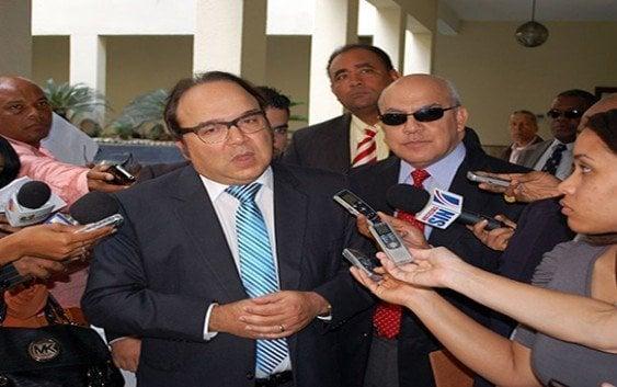 Castillo Semán acusa al Presidente Medina