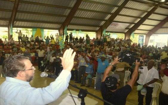 Alianza País realiza masiva juramentación