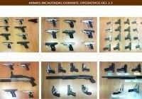 J2 incauta 68 armas, 2 motocicletas y 2 maquinas tragamonedas