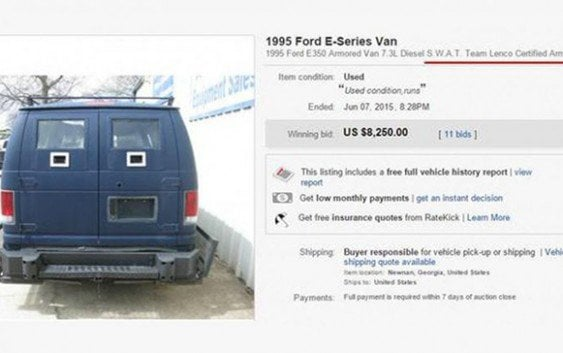 Atacante sede policía de Dallas compró furgoneta blindada en eBay