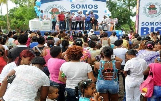 BIS SDN celebra Día de las Madres en Villa Mella