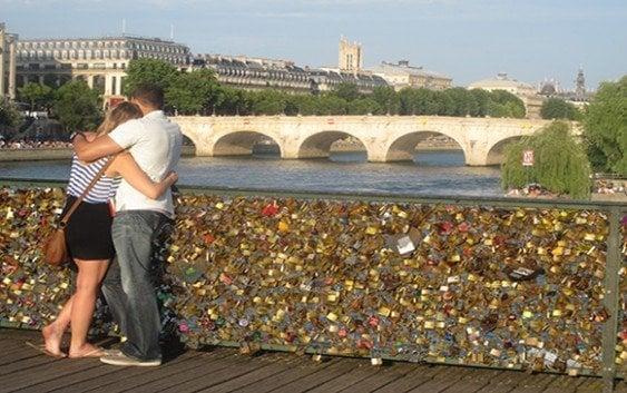 París retira mas de un millón «candados del amor»