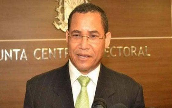 Denuncia «presidencialismo» en JCE dejaría partidos sin reconocer