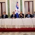 Gobierno explica a diplomáticos pasos del Plan Nacional Regularización