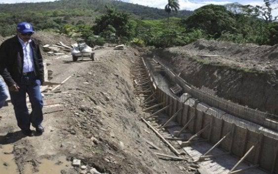 INDRHI está avanzada canalización y protección del Riíto en La Vega