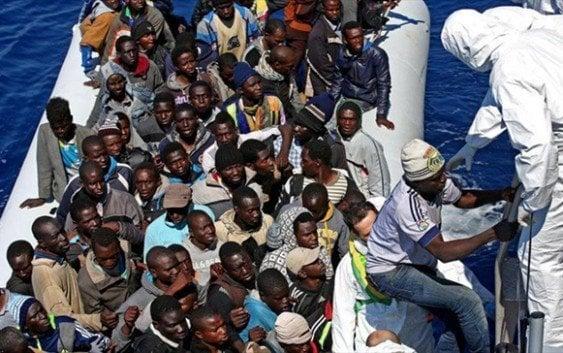 3.500 inmigrantes rescatados en aguas del Mediterráneo en pocas horas
