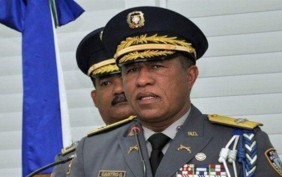 Policía Nacional protagonizan otro escándalo al estilo Dicán