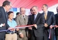 Presidente inaugura liceo Carmen Luisa de los Santos