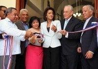 Primera Dama y Director Digecom entregan viviendas e iglesia