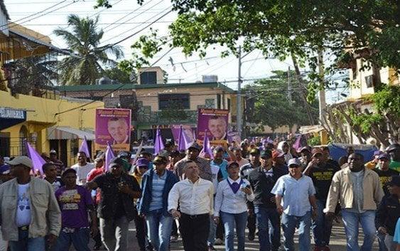Manuel Jimenez recorre municipio SDE