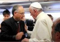 Papa Francisco pide Iglesia acompañe el cambio