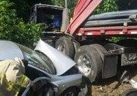 Patana choca trece vehículos
