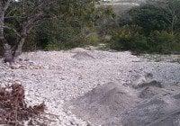 Denuncian excavaciones en Río de Las Auyamas.