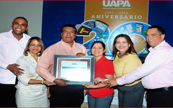 UAPA reconoce y premia 82 maestros