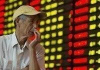 Mercados Valores Chinos se hunden en el fango de su economía