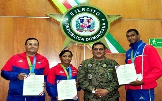Ejercito reconoce atletas obtuvieron medallas en Toronto