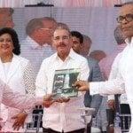 Presidente asiste inauguración museo la Voz del Yuna