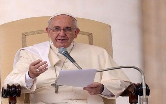 Papa dice divorciados ni están excomulgados ni la Iglesia los rechaza