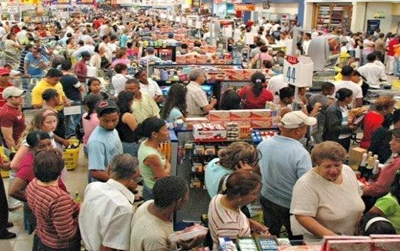 Supermercados venden «genéricos»: Olé; leche y sardinas sin espicificación