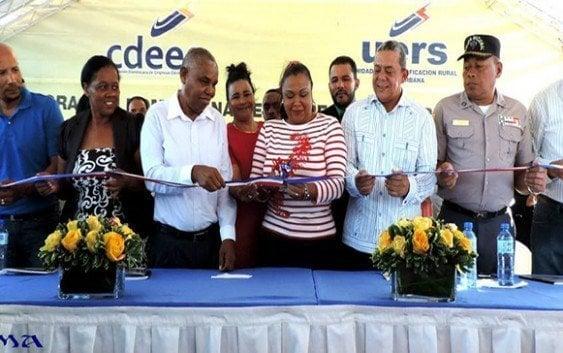 UERS lleva energia eléctrica comunidades de Azua