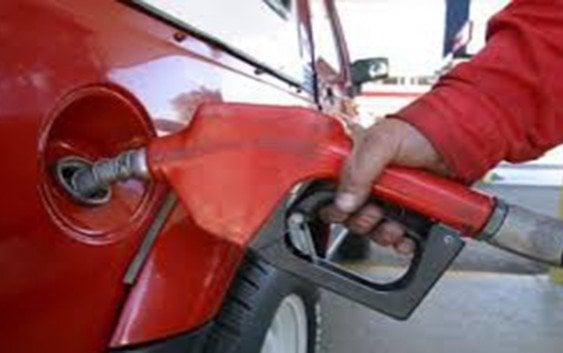 Combustibles: Aumentan precios entre uno y tres pesos