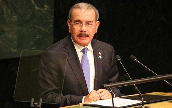 Danilo Medina envía mensaje de solidaridad a François Hollande