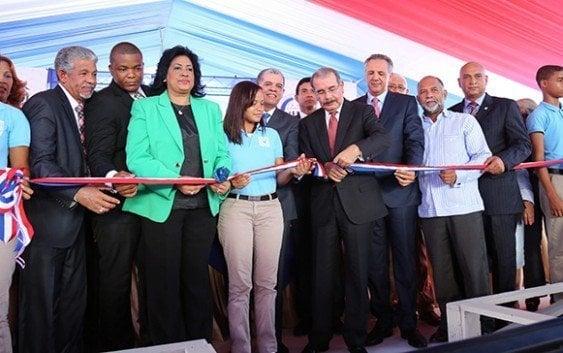 Gobierno inaugura escuela en La Toronja, Santo Domingo Este