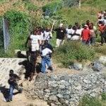 Vídeo muestra desfile de haitianos entrando por Dajabón sin ningún temor