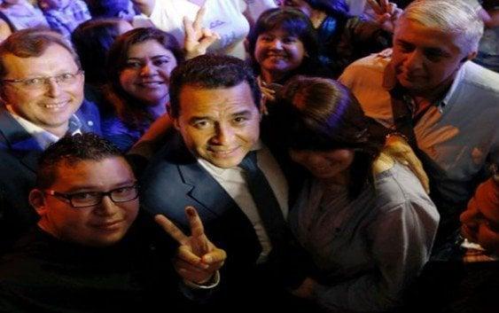 Cómico gana primera vuelta elecciones Guatemala