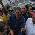 Pre-candidato inaugura Comando de Campaña y realiza mano a mano