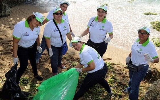 Diversas jornadas de limpieza de playas