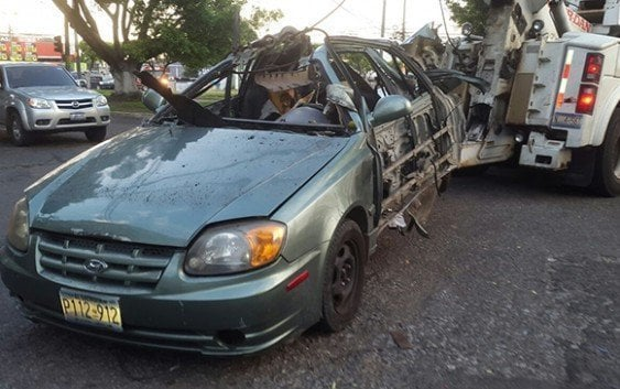 Explota coche bomba en El Salvador